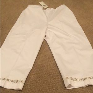 We Alfred dunner size 8 white Capri classic fit